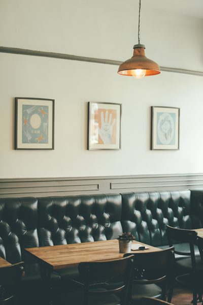 Café-salon-chaises