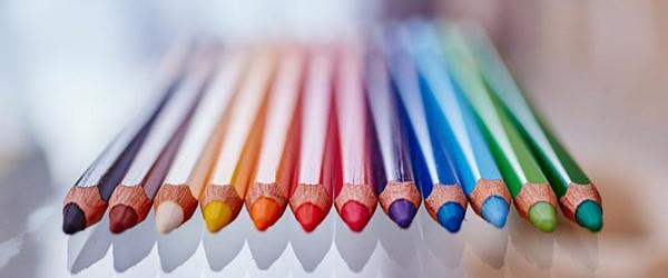 crayons multicolors